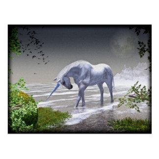 Luna del unicornio tarjetas postales