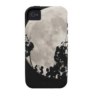 Luna detrás de las hojas oscuras iPhone 4/4S carcasa