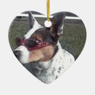 Luna dice el perro fresco en gafas de sol adorno de cerámica en forma de corazón