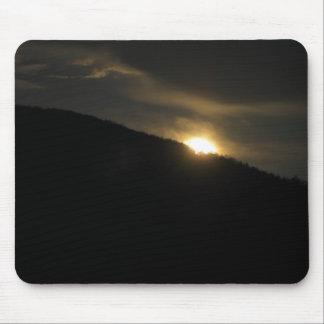 Luna estupenda sobre la montaña de Washington Mousepads