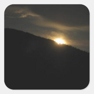 Luna estupenda sobre la montaña de Washington Pegatina Cuadrada