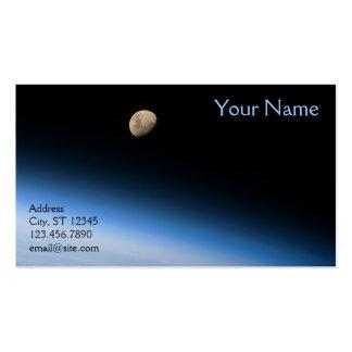 Luna gibosa de la tarjeta de visita de la órbita