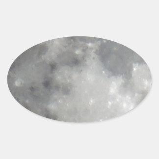 Luna gris en cielo negro pegatina ovalada