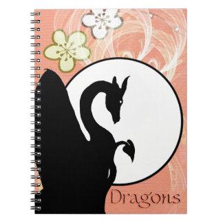 Luna I (flores de color salmón) del dragón Libro De Apuntes
