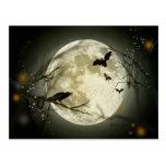 Luna Llena con un cuervo y los palos Postales