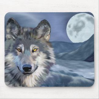 Luna Llena del lobo del invierno Mouse Pads