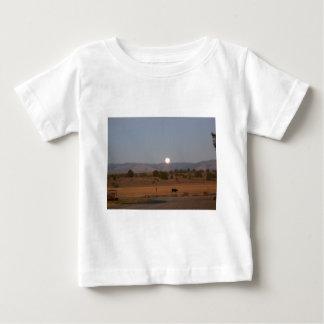 Luna Llena en el crepúsculo Tee Shirt