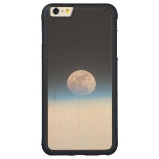 Luna Llena obscurecida parcialmente por la Funda De Arce Bumper Carved® Para iPhone 6 Plus