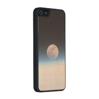 Luna Llena obscurecida parcialmente por la Funda De Arce Carved® Para iPhone 5 Slim
