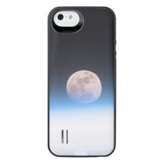 Luna Llena obscurecida parcialmente por la Funda Power Gallery™ Para iPhone 5 De Uncommon