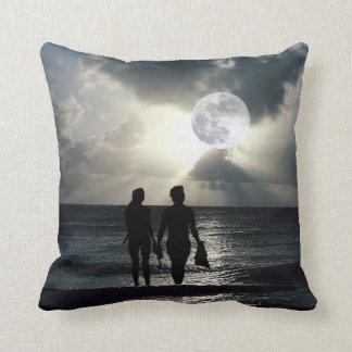Luna Llena, océano, ondas y playa espectaculares Cojín