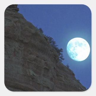 Luna Llena que sube sobre Sedona Pegatina Cuadrada