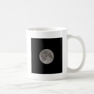 Luna Llena vista con un telescopio en la noche Taza De Café