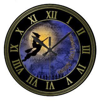 Luna Llena y bruja de Halloween Reloj Redondo Grande
