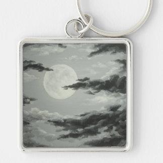Luna Llena y llavero nublado del cielo nocturno