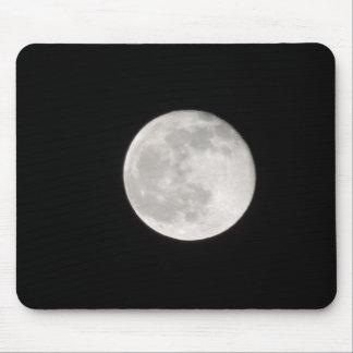 Luna por el mousepad de la noche
