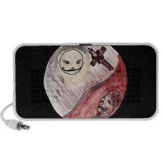 Luna que sonríe en el cadáver notebook altavoz