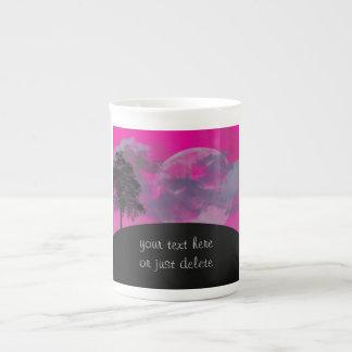 Luna rosada de la fantasía, nubes, personalizado d taza de porcelana