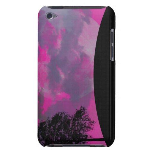 Luna rosada de la fantasía, nubes y silueta negra  iPod touch Case-Mate carcasas