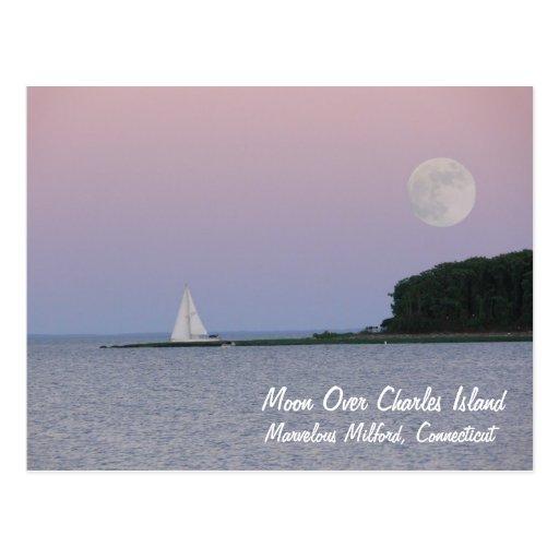 Luna sobre la isla de Charles Tarjeta Postal