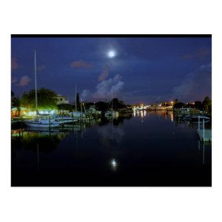Luna sobre la isla del tesoro tarjetas postales