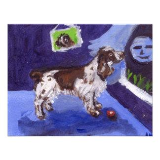 Luna sonriente de los sentidos del perro de aguas comunicado