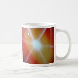 luna spacepainting estallada sol rojo amarillo taza básica blanca