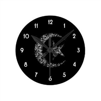 Luna y estrella crecientes afiligranadas reloj redondo mediano