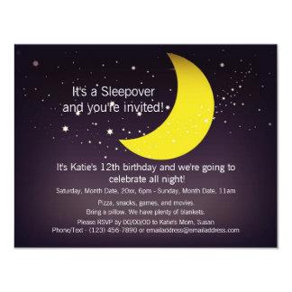 """Luna y estrellas del Sleepover Invitación 4.25"""" X 5.5"""""""