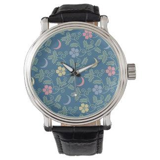 Luna y flores relojes de pulsera
