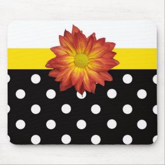 Lunar blanco del negro amarillo de la flor femenin alfombrillas de raton