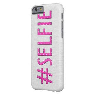 "Lunar de ""Selfie"" del rosa Funda Para iPhone 6 Barely There"