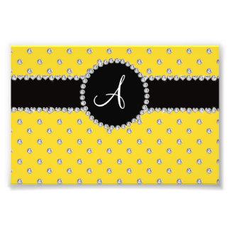 Lunares amarillos de los diamantes del monograma cojinete