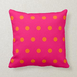 Lunares anaranjados rosados cojín