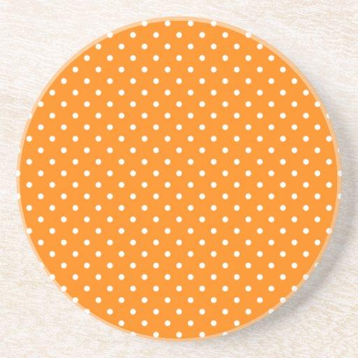 Lunares anaranjados y blancos posavasos diseño