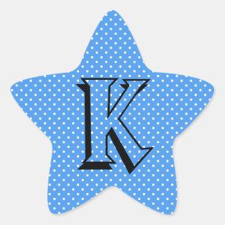 Lunares azules y inicial de encargo blanca del pegatina en forma de estrella