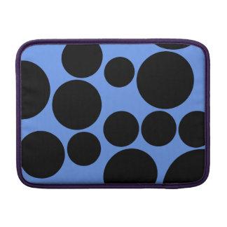 Lunares azules y negros del Cornflower Funda Para Macbook Air