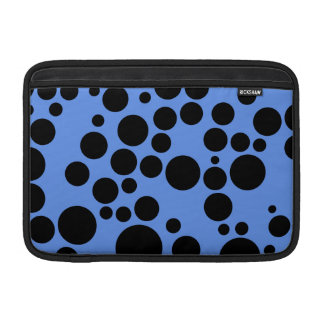 Lunares azules y negros del Cornflower Funda Macbook Air