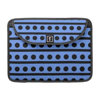 Lunares azules y negros del Cornflower Fundas Macbook Pro