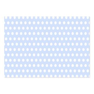 Lunares blancos en azules cielos plantilla de tarjeta personal