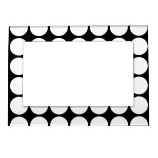 Lunares blancos en negro marcos magnéticos de fotos