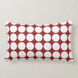 Lunares blancos en rojo almohadas