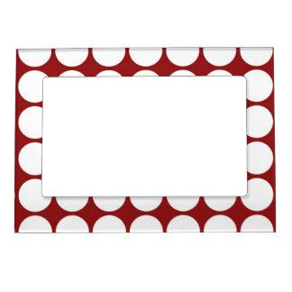 Lunares blancos en rojo marcos magnéticos para fotos