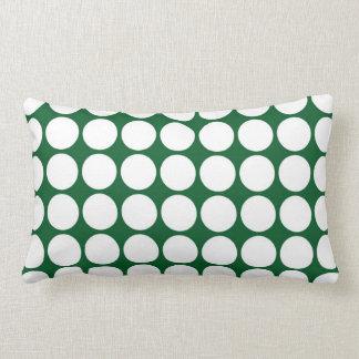 Lunares blancos en verde almohada