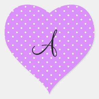 Lunares blancos púrpuras en colores pastel del pegatina en forma de corazón