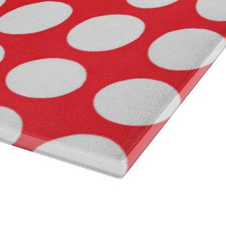 Lunares blancos rojos y grandes del escarlata tabla de cortar