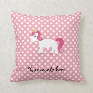 Lunares blancos rosados del unicornio almohada