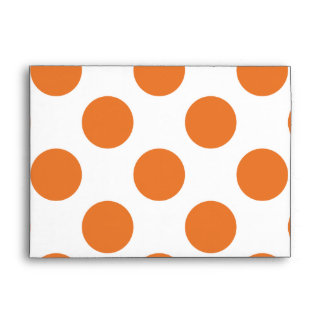 Lunares blancos y anaranjados sobres