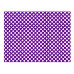 Lunares blancos y púrpuras postal