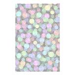 Lunares chispeantes del arco iris papelería de diseño